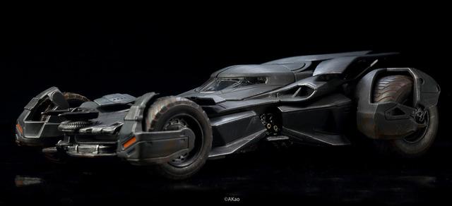 【玩具人呂岳修投稿】JADA 2016 BVS Batmobile 舊化塗裝