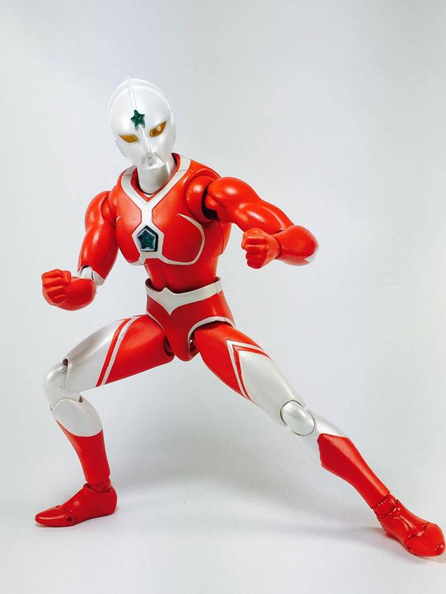 【分享】ULTRA-ACT ウルトラマンジョーニアス/宇宙超人-喬伊尼亞斯/喬尼亞斯 (動畫版).ver