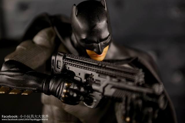 【小小玩具大大世界。投稿】[玩評] Mafex No.017 Batman  (BvS Part 2)