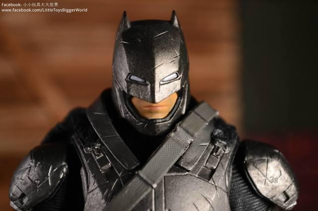【小小玩具大大世界。投稿】[玩評] Mafex No.023 重甲蝙蝠俠 Armored Batman (BvS)