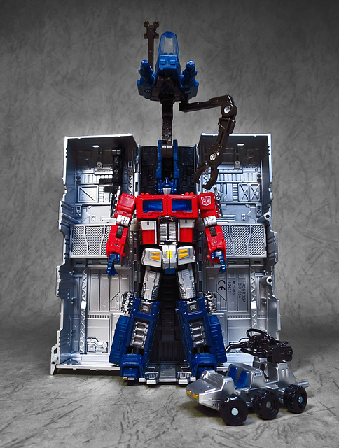 39.jpg - [TF] OPTIMUS PRIME (YEAR OF ROOSTER )