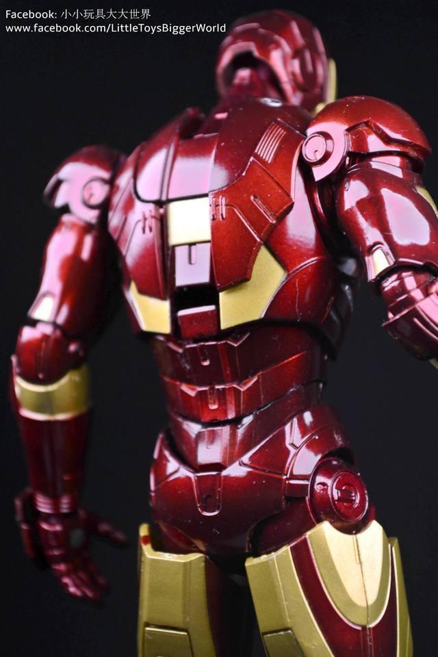 【小小玩具大大世界。投稿】S.H. Figuarts 鐵甲奇俠 MKIII Iron Man Mark III - 東尼的第一套實戰用甲