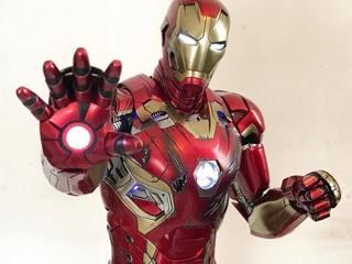 【玩具人。法蘭西斯。投稿】Hot Toys 復仇者聯盟2:奧創紀元 1/4 比例 鋼鐵人馬克45 開箱分享