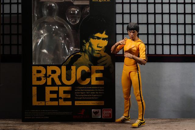 【玩具人。楊書偉。投稿】S.H.Figuarts 李小龍 Bruce Lee《死亡遊戲》黃色緊身服版本