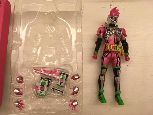 以動作遊戲使者為主題的幪面超人 EX-AID LEVEL-2 S.H.Figuarts