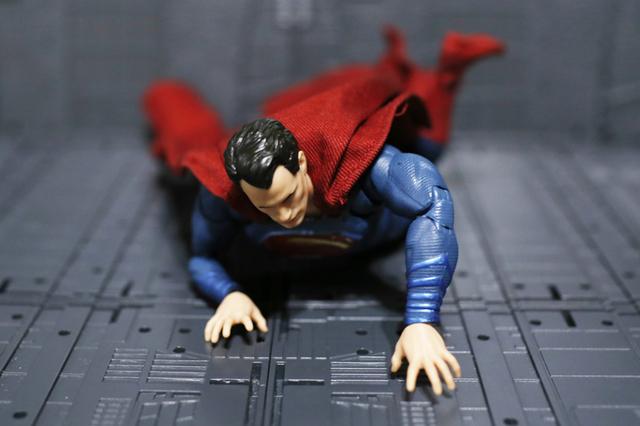 【玩具人。白色猴子。投稿】DC Collectibles – DC FiLMS 系列 超人 Superman 開箱分享
