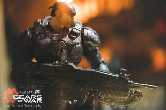 Play Arts改-XBOX經典遊戲戰爭機器男主角-馬可仕Marcus Fenix