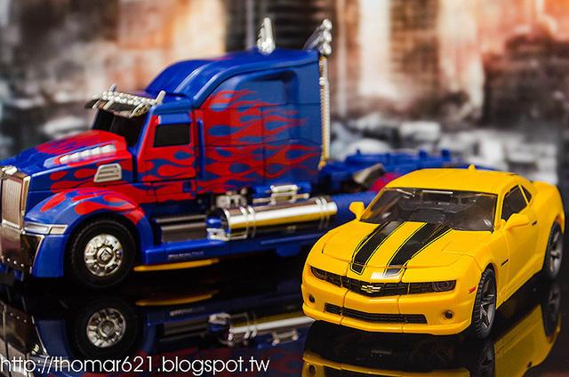 玩具心得:HASBRO TRANSFORMERS MASTERPIECE MOVIE SERIES MPM-03 BUMBLEBEE 大黃蜂