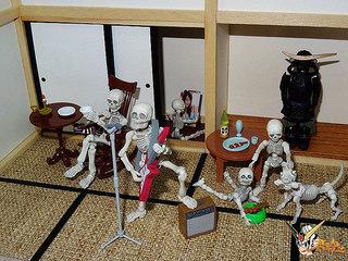 【玩具人君魂投稿】Pose Skeleton 骷髏家族惡搞攝影分享