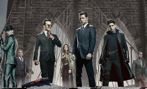 【DC影集相關】黑暗騎士終於出現讓我們看到《萬惡高譚市》的蝙蝠俠跟戈登在互動!