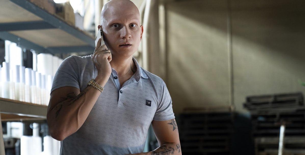 基努李維的經典電影續集《阿比阿弟的冒險 3》找來《萬惡高譚市》的演員來擔任反派!