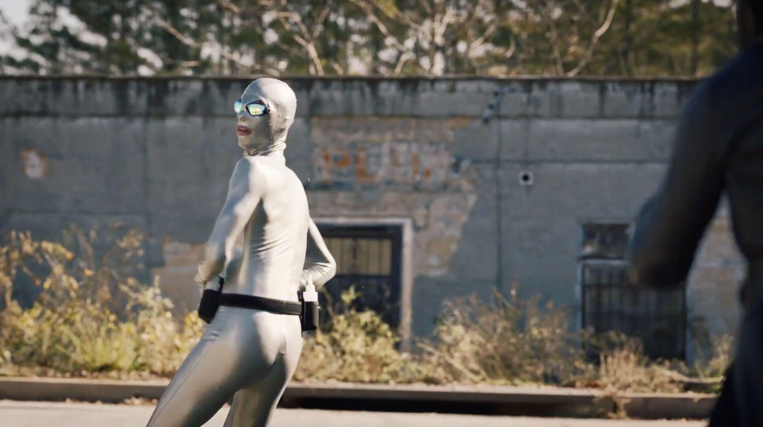 【娛樂文化解答】所以《守護者》的影集宇宙裡這位「潤滑油俠」其真身究竟是誰?