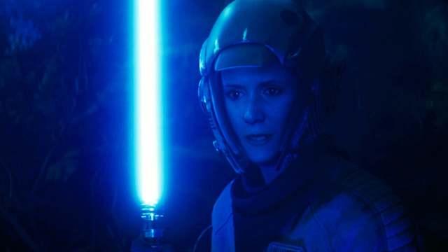 【星戰宇宙相關】《天行者的崛起》電影中沒有告訴你的事情:莉亞的絕地訓練、她的繼承者、芮的新光劍以及原力治療術