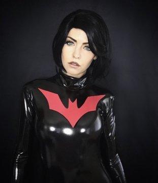 你看過未來蝙蝠俠嗎?看看這些超讚的蝙蝠俠 Coser!