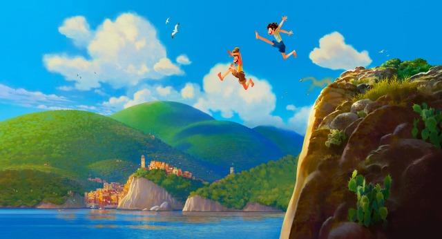 皮克斯明年暑假新作《路卡的夏天》首曝劇照!人類男孩與化為人形的海怪結下深厚友誼