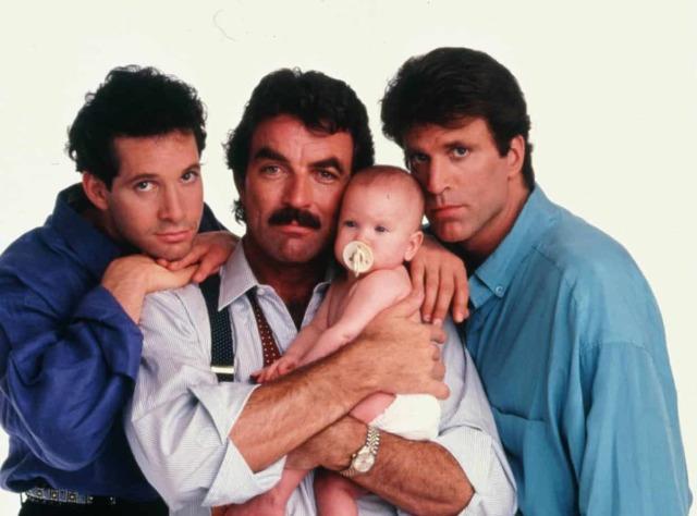 柴克艾弗隆重返迪士尼!加入演出經典賣座喜劇《三個奶爸一個娃》全新重拍版
