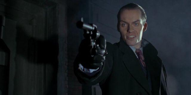 華納原版《蝙蝠俠大顯神威》的劇情與提姆波頓版電影有何差別?其內容是...