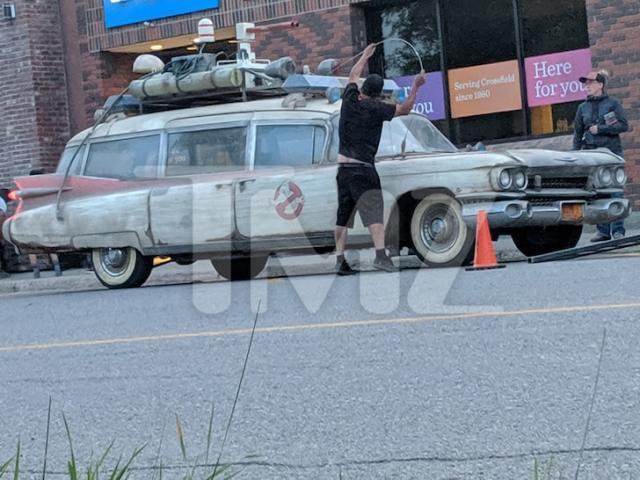 原始版《魔鬼剋星》第三集開拍作業白熱化!抓鬼車 Ecto-1 在加拿大奔馳~