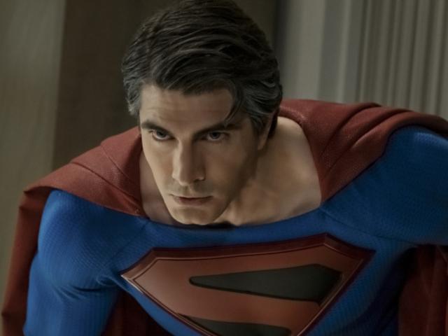 【綠箭宇宙相關】《無限地球危機》以年邁蝙蝠俠和天國降臨超人為新劇照主打!