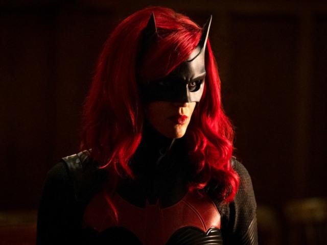 綁不住的蝙蝠!露比蘿絲在 IG 透露了她退出《蝙蝠女俠》的真正理由