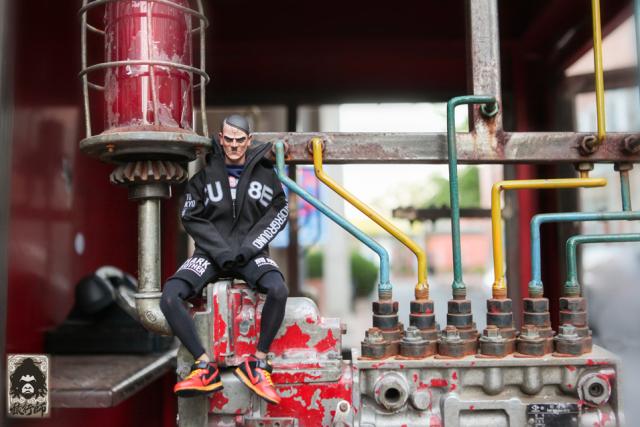 猿行師:鋼鐵猿頭頭雕先行街拍預覽!帶您暢遊798重工業風藝術區