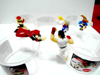 【玩具人。Cookie's Toys Guy。投稿】Street Fighter × dydo 快打旋風5 杯緣子