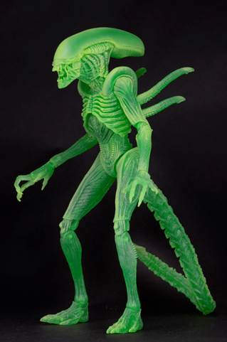 熱感應模式登場!NECA 《異形戰場》夜光異形 Alien vs Predator Glow-In-The-Dark Alien Warrior